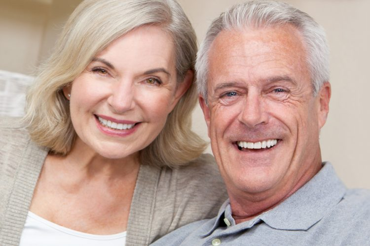 How To Keep Your Mouth And Dentures Healthy
